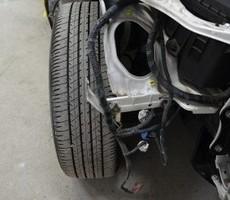 トヨタ・クラウンの鈑金修理事例(2)のサムネイル
