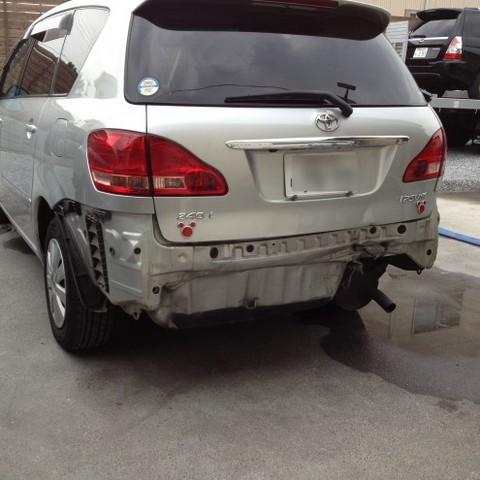 トヨタ・イプサムの鈑金修理事例(2)のサムネイル
