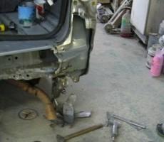 トヨタ・ハイエースの鈑金修理事例(1)のサムネイル