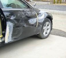 トヨタ・マークXの鈑金修理事例(1)のサムネイル