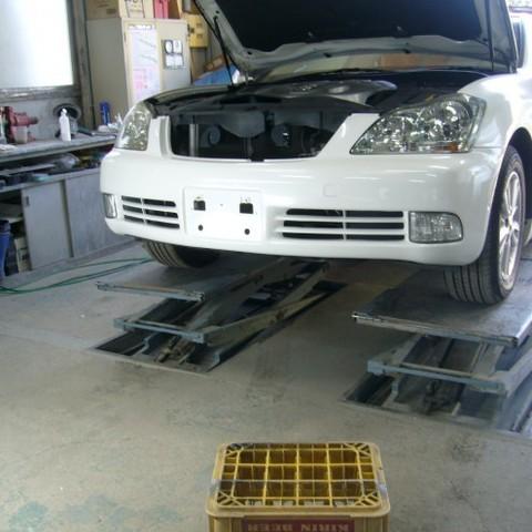 トヨタ・クラウンの鈑金修理事例(1)のサムネイル