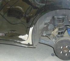 トヨタ・ウィッシュの鈑金修理事例(1)のサムネイル