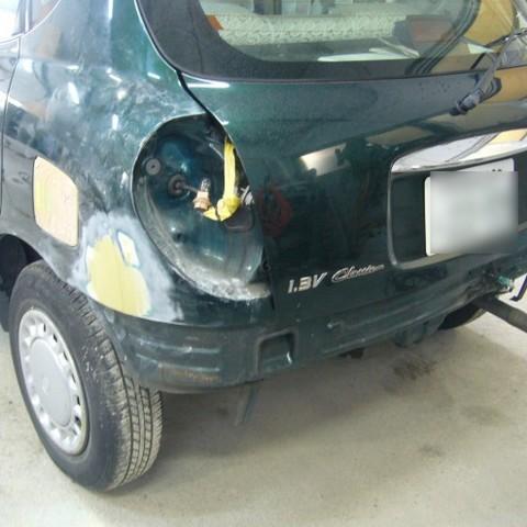 トヨタ・デュエットの鈑金修理事例(1)のサムネイル