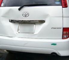 トヨタ・アイシスの鈑金修理事例のサムネイル
