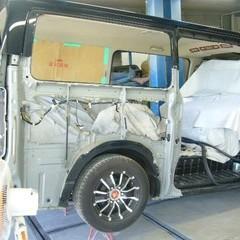 昭島市のお客様トヨタ ハイエース保険修理依頼