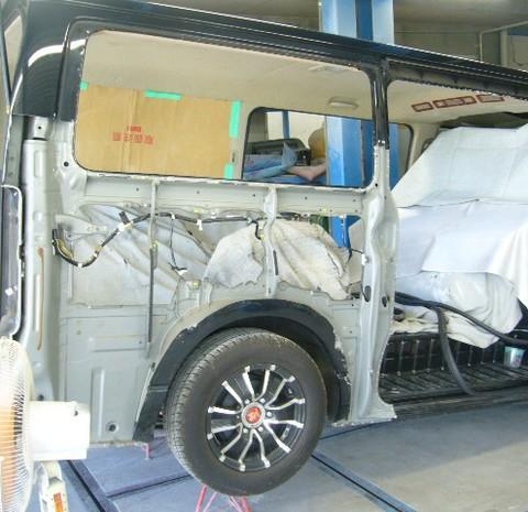 昭島市のお客様トヨタ ハイエース保険修理依頼のサムネイル