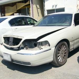 リンカーン・タウンカーの鈑金修理事例