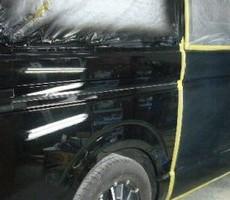 トヨタ・ハイエースの鈑金修理事例(4)のサムネイル