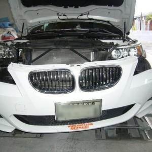 世田谷区のお客様BMWの鈑金修理依頼