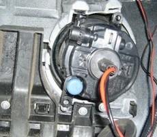 トヨタ・ヴォクシーの鈑金修理事例(1)のサムネイル