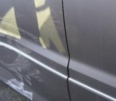 トヨタ・アルファードの鈑金修理事例(3)のサムネイル