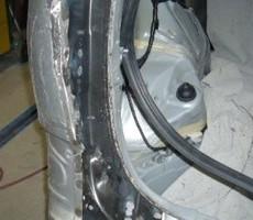 トヨタ・エスティマの鈑金修理事例(2)のサムネイル