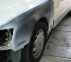 トヨタ・セルシオの鈑金修理事例(1)のサムネイル