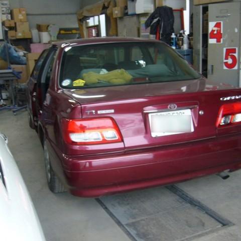 トヨタ・カリーナの鈑金修理事例のサムネイル