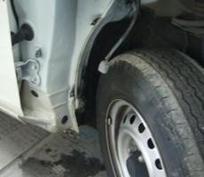 トヨタ・プロボックスの鈑金修理事例(1)のサムネイル