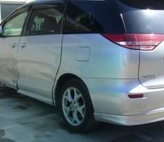 トヨタ・エスティマの鈑金修理事例(3)のサムネイル