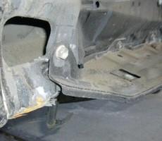 トヨタ・ハイエースの鈑金修理事例(2)のサムネイル
