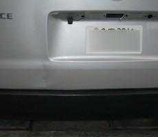 トヨタ・ハイエースの鈑金修理事例(3)のサムネイル