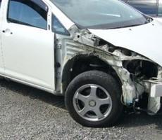 トヨタ・ウィッシュの鈑金修理事例(2)のサムネイル