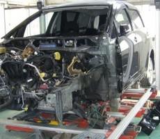 トヨタ・ウィッシュの鈑金修理事例のサムネイル
