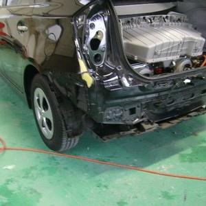 トヨタ・プリウスの鈑金修理事例